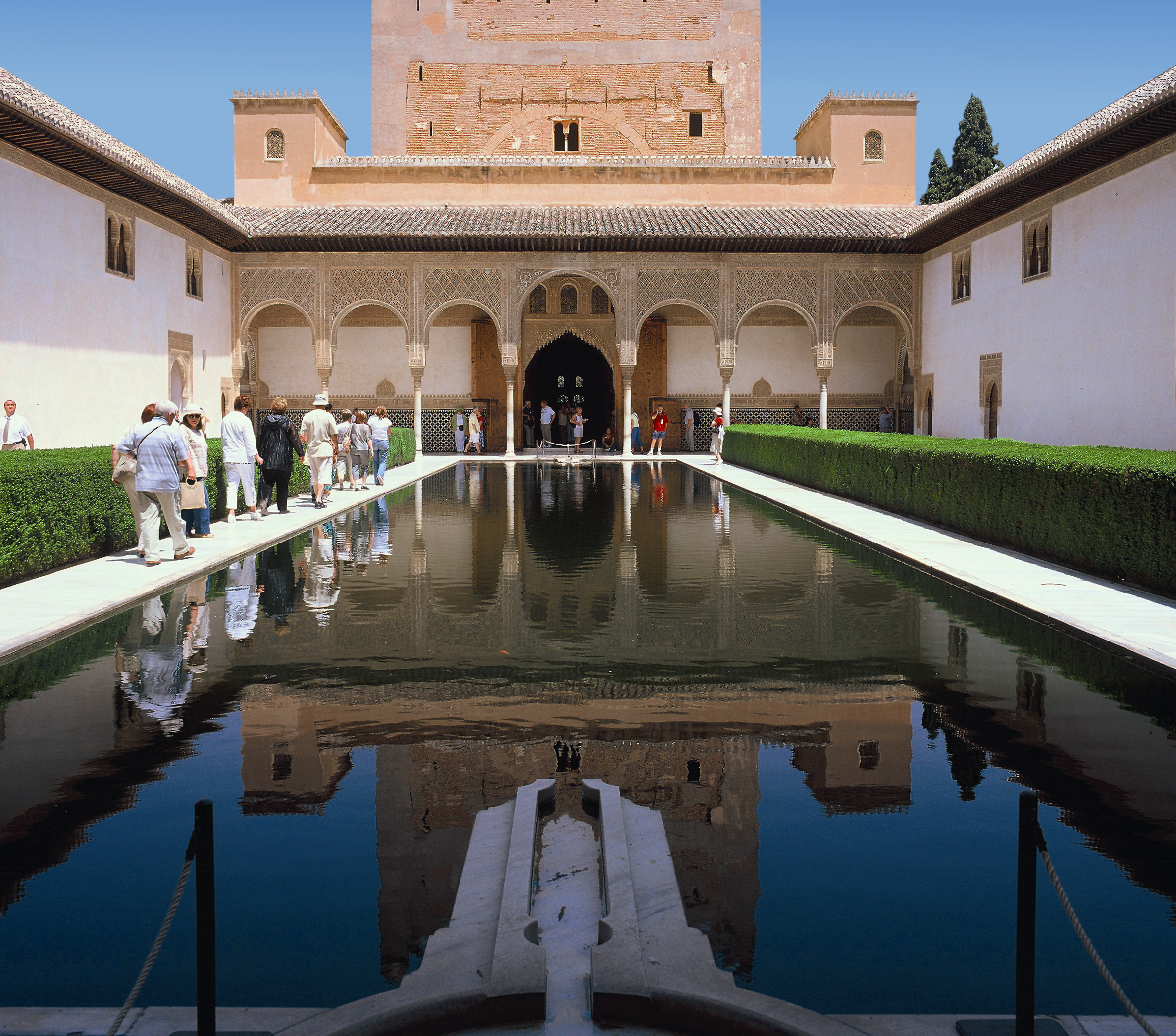 How to purchase tickets to the Alhambra of Granada